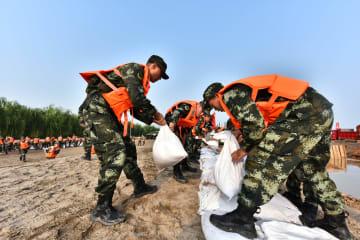 大規模水害対策総合訓練を実施 湖北省