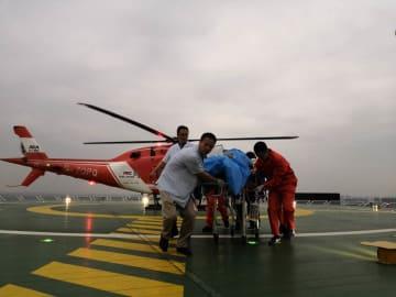 四川長寧地震の重傷者、医療用ヘリ「空中120」で成都へ