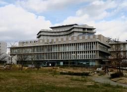 兵庫県立こども病院=神戸市中央区港島南町1