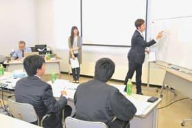 新入社員らが「報連相」や安全衛生の心構えを学んだ合同研修