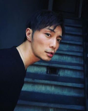 インスタグラム:成宮寛貴(@hiroshige_narimiyau)より