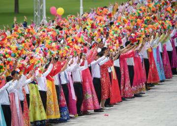 朝鮮市民、習近平氏を熱烈に歓迎