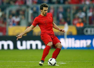 Mats Hummels joins Juan Mata's charity project Common Goal