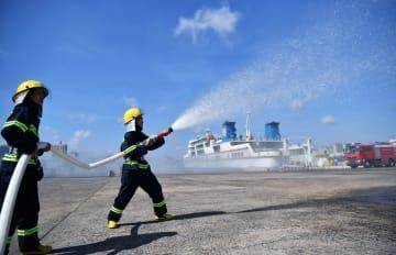 海口海事局、危険物積載車両の船上・岸壁火災訓練を実施 海南省