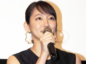 映画「ホットギミック ガールミーツボーイ」のイベントに登場した吉岡里帆さん