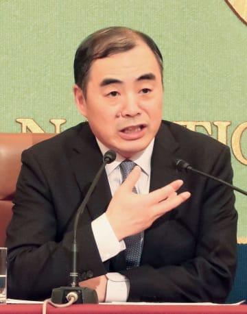 記者会見する中国の孔鉉佑駐日大使=21日午後、東京・内幸町の日本記者クラブ