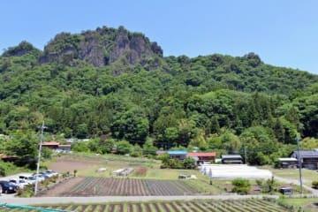 岩櫃城跡がある岩櫃山