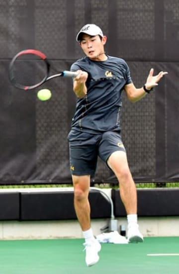 全米大学テニスで活躍する菊地裕太選手(Roger Errington提供)