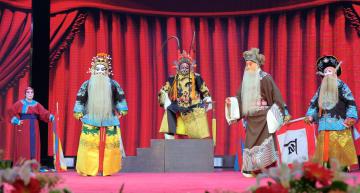 遼寧省丹東で京劇祭開催 全国から愛好家が集う