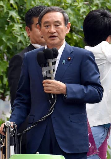 広島市中区で街頭演説する菅氏(22日)