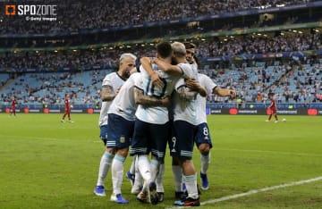 アルゼンチンがカタールに勝利し辛くもGS突破