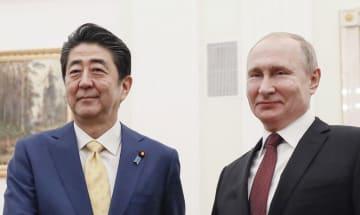 安倍首相、ロシアのプーチン大統領=1月(共同)