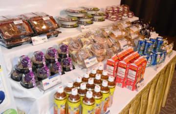 ローソン沖縄の設立10周年を記念して期間限定で販売される沖縄限定プライベートブランド商品