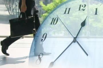リモートワーク化で通勤などの移動時間削減により生産性の向上が望めるという(写真はイメージ)