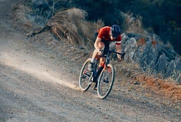 キャノンデール、どんなオフロードもこなすグラベルバイク「Topstone Carbon」発売