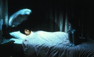 写真は映画『呪怨』(2002)より - Lions Gate Films / Photofest / ゲッティ イメージズ