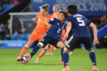 日本、オランダに敗れ8強逃す サッカー女子W杯