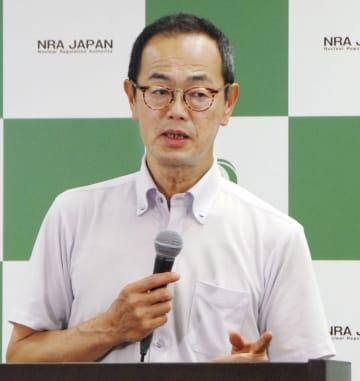 記者会見する原子力規制委の更田豊志委員長=26日午後、東京都港区
