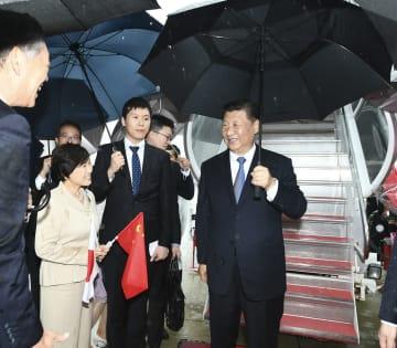 習近平主席、大阪に到着 G20大阪サミット出席へ