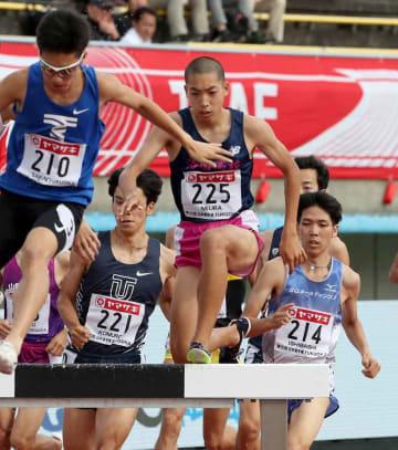 男子3000メートル障害予選 自らの日本高校記録を塗り替えて予選を通過した洛南の三浦(225)
