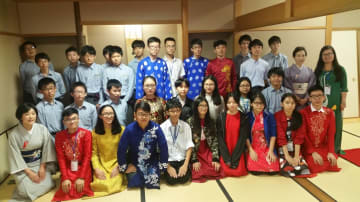 茶道を通じて交流を深めた藤嶺学園藤沢中の生徒とベトナムの中高生