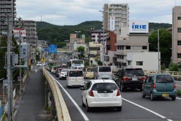 交通事故多発地点でワーストだった岡山市中区の新京橋東詰め付近(画像の一部を加工しています)