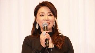 ミュージカル「イノサンmusicale」の会見に登場した浅野ゆう子さん