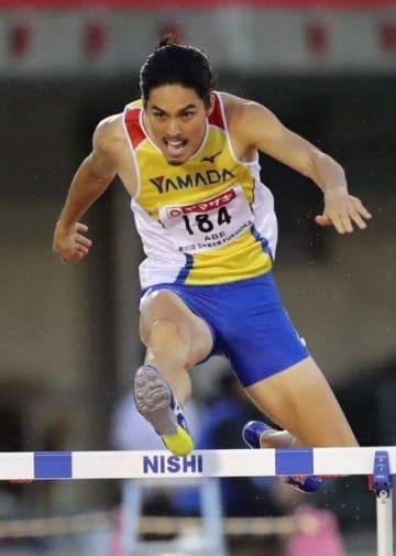 男子400メートル障害で2年ぶりの優勝を果たし、世界選手権代表に決まった安部孝駿=博多の森陸上競技場