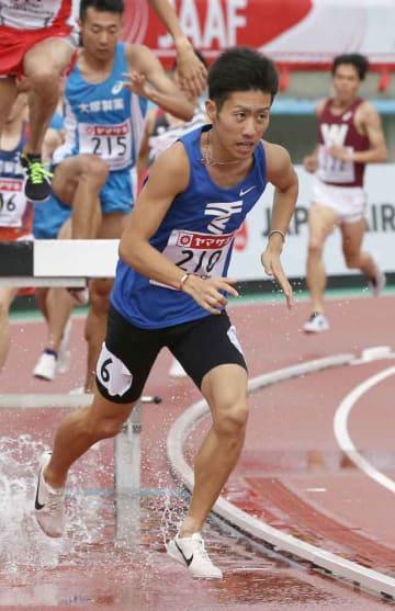 男子3000メートル障害決勝 8分29秒85の自己新で優勝した阪口(博多の森陸上競技場)