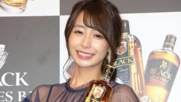 期間限定バー「BLACK 3 STYLES BAR」のPRイベントに登場した宇垣美里さん