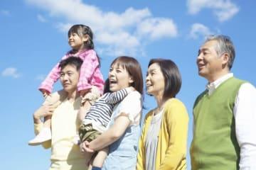住民税額の計算に重要となる「扶養控除」について説明します。どのような親族がいるかで決まる扶養控除。扶養親族は年間所得38万円以下の人で、扶養控除は33万円から45万円です。