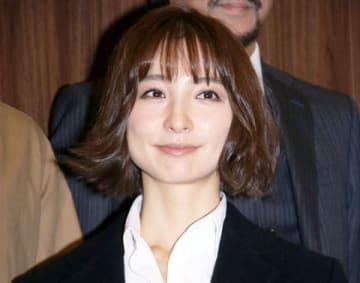 舞台「殺してもいい命」の公開ゲネプロ前の会見に出席した篠田麻里子さん