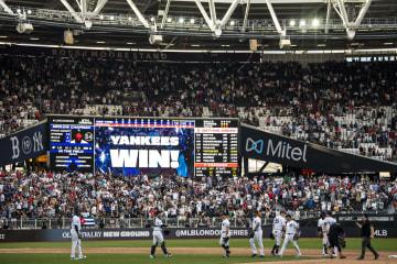 欧州開催での大リーグ公式戦、前日に続き第2戦でもレッドソックスを破ったヤンキース=6月30日、ロンドン(ゲッティ=共同)