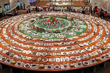 本物の料理そっくり、「奇石宴」が観光客を魅了 新疆