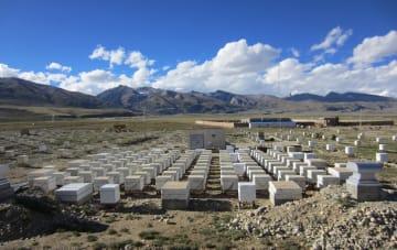 チベットの小さな町で30年天体観測を続ける日本の学者