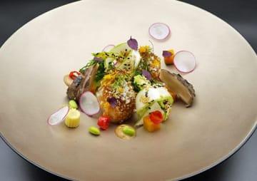 G20サミットの首脳夕食会で振る舞われた風間浦村産アンコウを使った料理(外務省提供)