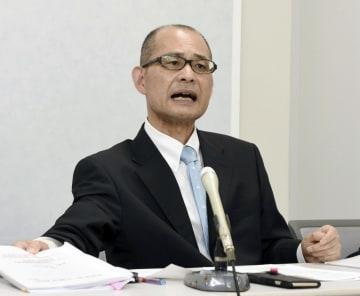 無痛分娩の死亡事故を巡る検察審査会への申し立てについて、記者会見する長村千恵さんの父安東雄志さん=2日午後、大阪市
