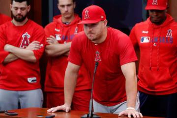 試合後の会見に出席したエンゼルスのマイク・トラウト【写真:AP】