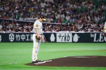 今季本拠地初勝利を挙げたソフトバンク・和田毅【写真:荒川祐史】