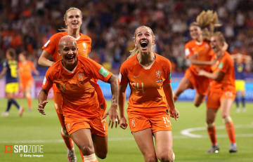 延長戦の決勝弾でオランダが大会初のファイナリストに