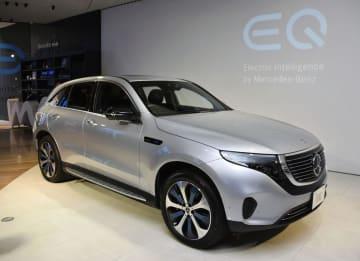 メルセデス・ベンツ日本が発売する電気自動車「EQC」=4日、東京都港区