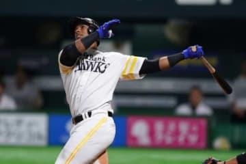 2本塁打と活躍したソフトバンクのジュリスベル・グラシアル【写真:荒川祐史】
