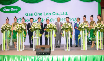 Japanese gas supplier Saisan Co. launches sales of liquefied petroleum gas for corporate and household clients in Laos via a joint venture with a local trading house AMZ Group Co. from this week.(Photo courtesy of Saisan)