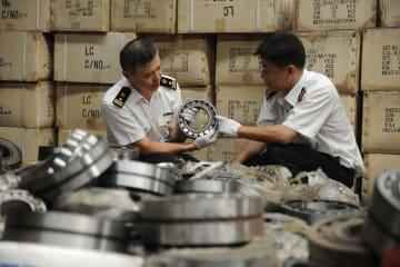 青島税関、「TOYOTA」の商標権侵害品など22万点を処分