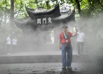 観光シーズン迎えた豊都鬼城 重慶市