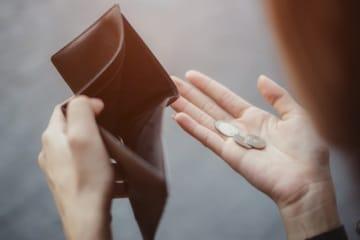 自営業の夫と3人の子どもを持つ38歳のパート勤務女性。夫の収入が安定していないうえに貯蓄が少なく、これからの教育費と老後資金が心配とのこと。ファイナンシャル・プランナーの深野康彦さんがアドバイスします。
