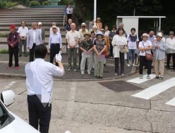 街頭演説で政策を訴える岡山選挙区の立候補者=岡山市内(画像の一部を加工しています)