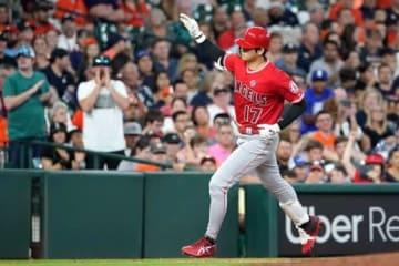 3回、アストロズ・バーランダーから本塁打を放ったエンゼルス・大谷翔平【写真:AP】
