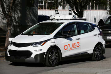 米GM系企業が手掛ける自動運転車=2017年11月、サンフランシスコ(ロイター=共同)