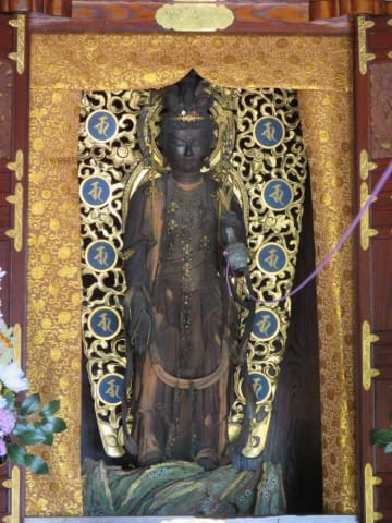 24年ぶりに開帳される長谷寺の十一面観音菩薩立像(高島市音羽)